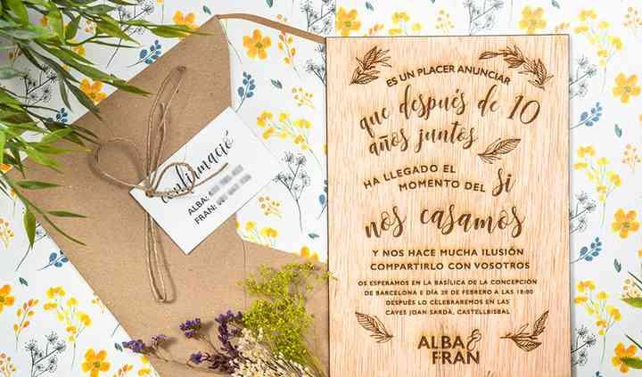 Invitación en madera grabada