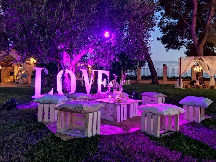 """Letras grandes """"LOVE"""""""