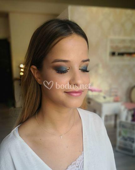 Dressinginblack Makeup