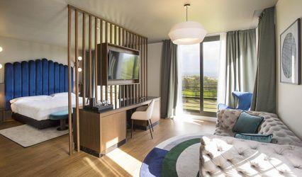 DoubleTree by Hotel Barcelona Golf Resort 1