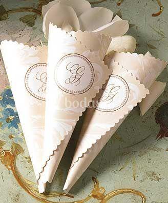 Elegantes conos para pétalos