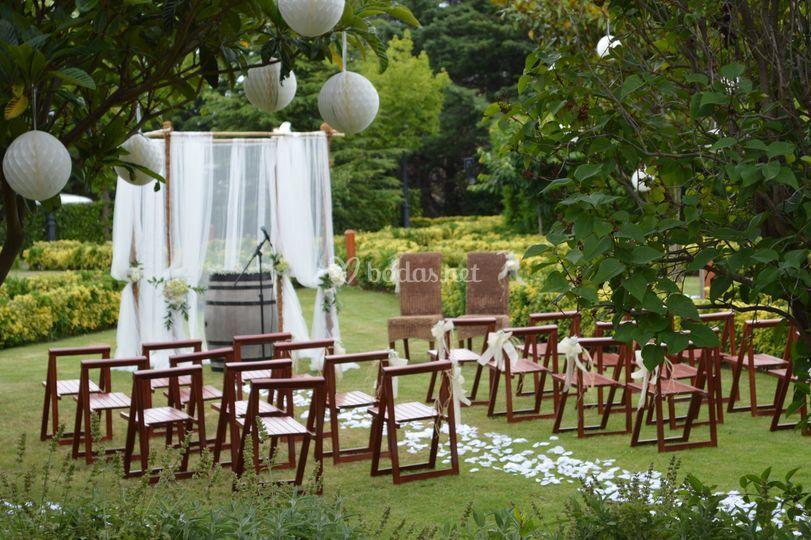 Ceremonia Civil en el jardin