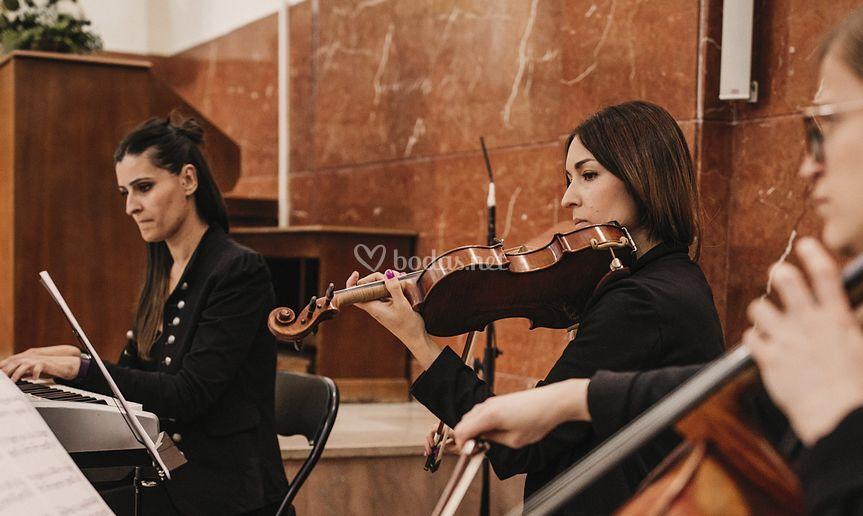 Trío violín, piano y cello