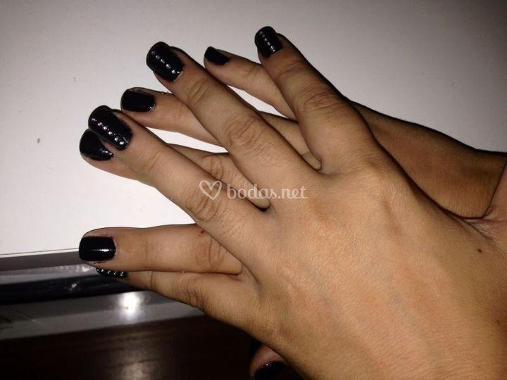 Uñas de gel en negro
