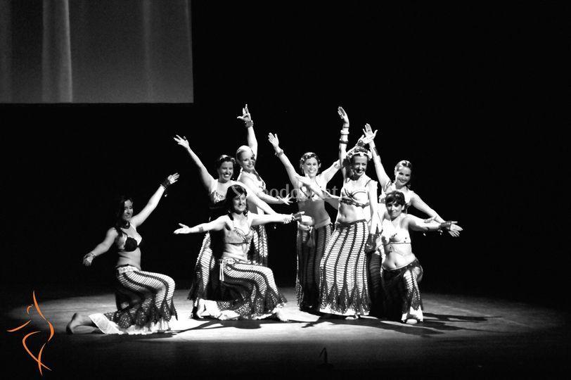 Actuación de danza fusión