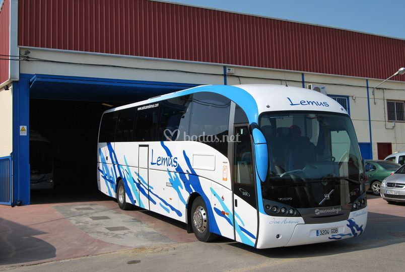 Bus de 55 plazas adaptado