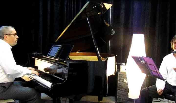 José Barahona & Montxo García - Voz y piano