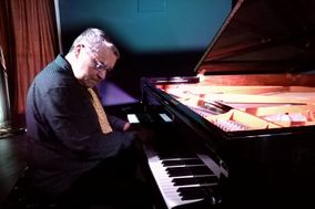 Montxo García - Piano