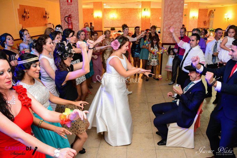 Baile de la mujeres de la boda