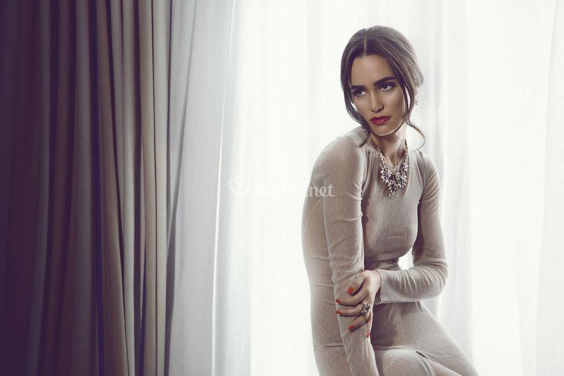 Recogido bajo - Alicia Sanz