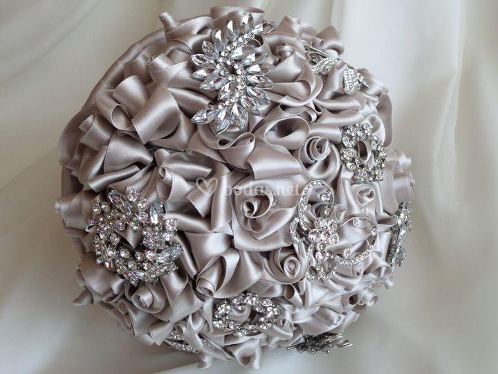 Bouquet de rosas de satén