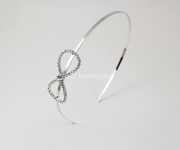 Diadema con lazo de cristales