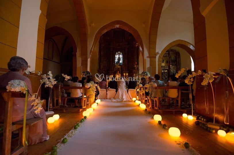 Decoracion Iglesia Boda Velas ~ Decoraci?n iglesia con velas de Ros Mari Floristas  Fotos