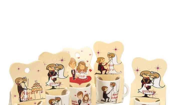 Mini tazas para invitados