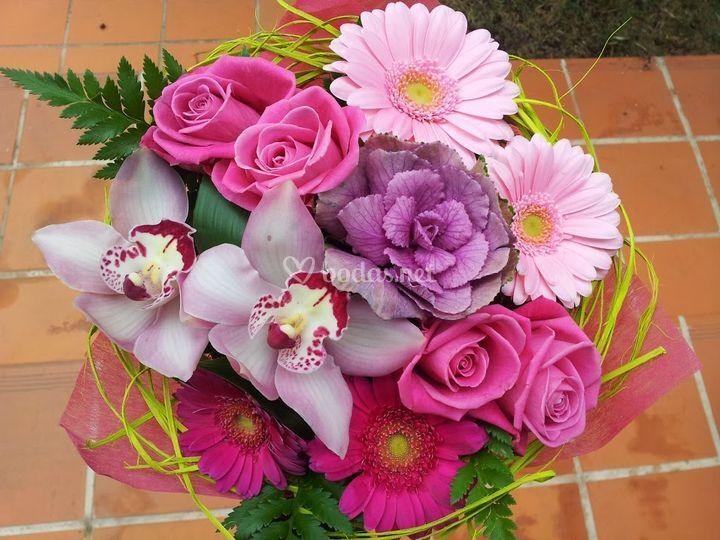 Ramo de flores morado y rosa