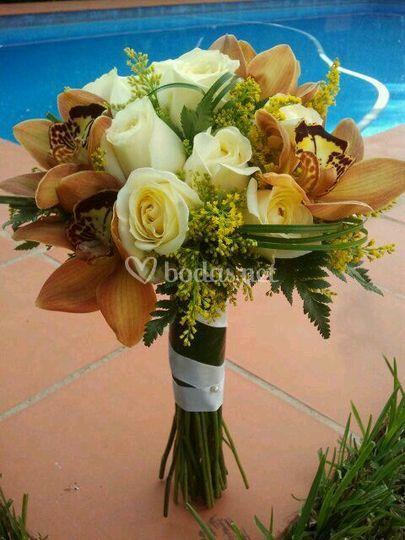 Ramo de novia blanco y marrón