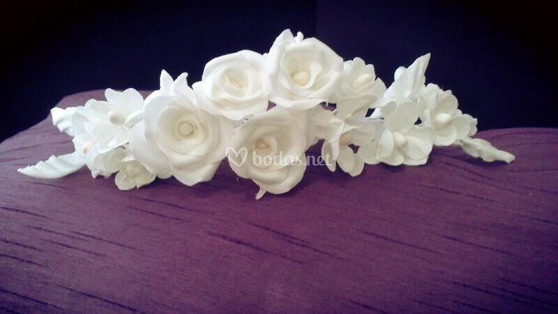 Tiara de rosas de seda