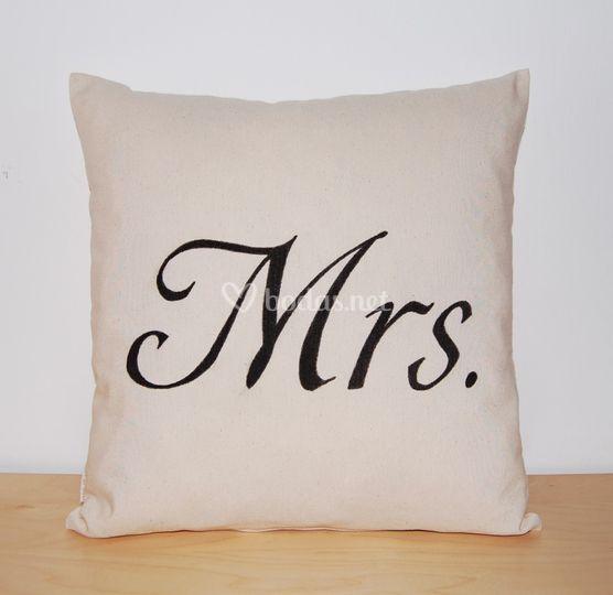 Cojín Mrs.