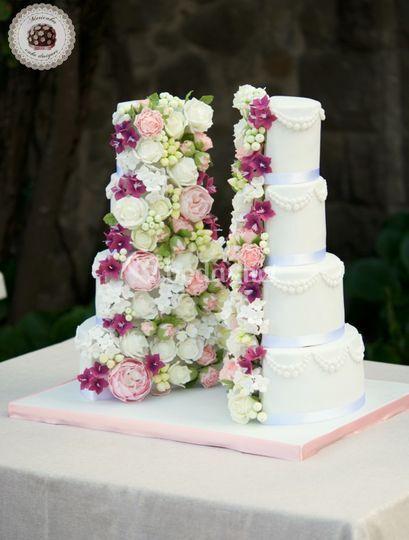 Half Cut Wedding Cake