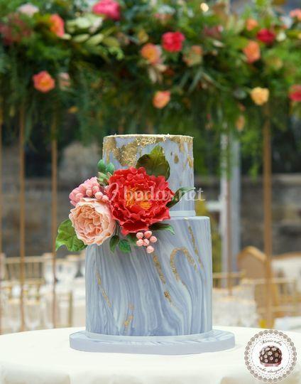 Marble & Flowers Wedding cake