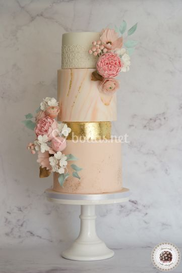 Marble & Gold Wedding Cake