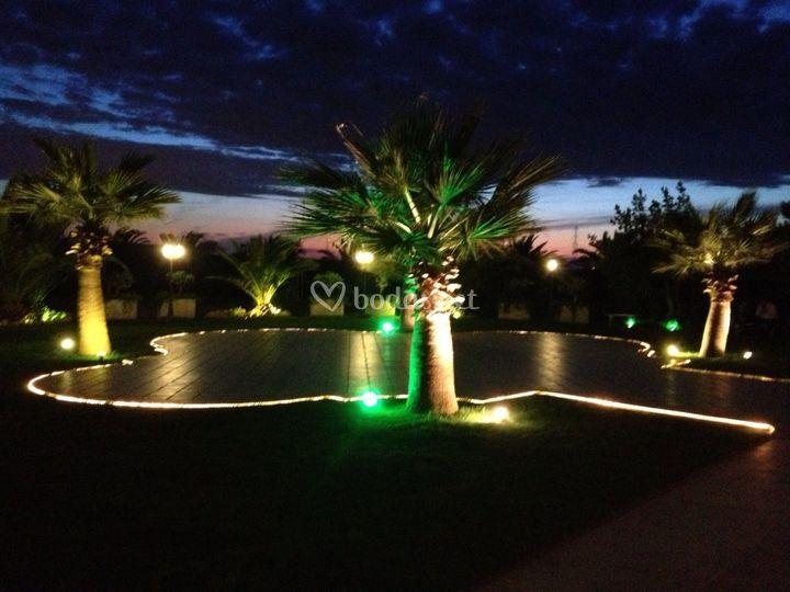 Jardines iluminados con leds