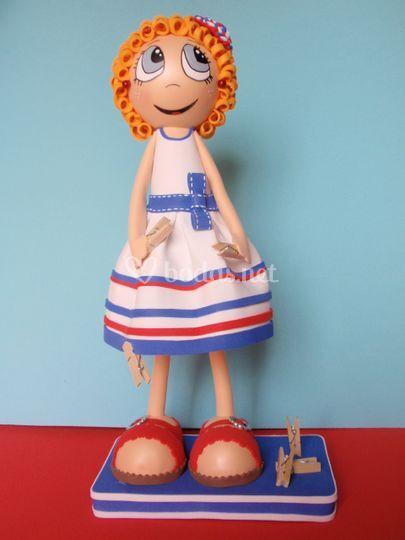 Muñeca con vestido personalizado