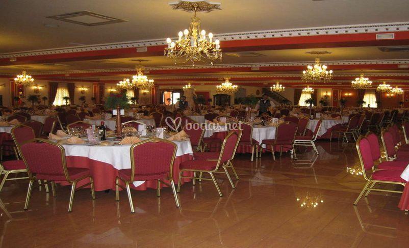 Elegante salón para banquetes