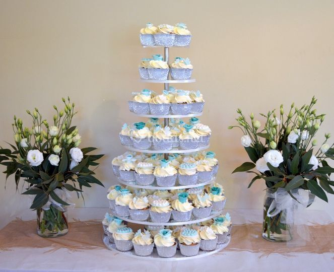 Torre de cupcakes para bodas
