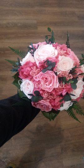 Ramo de novia de flor preservada