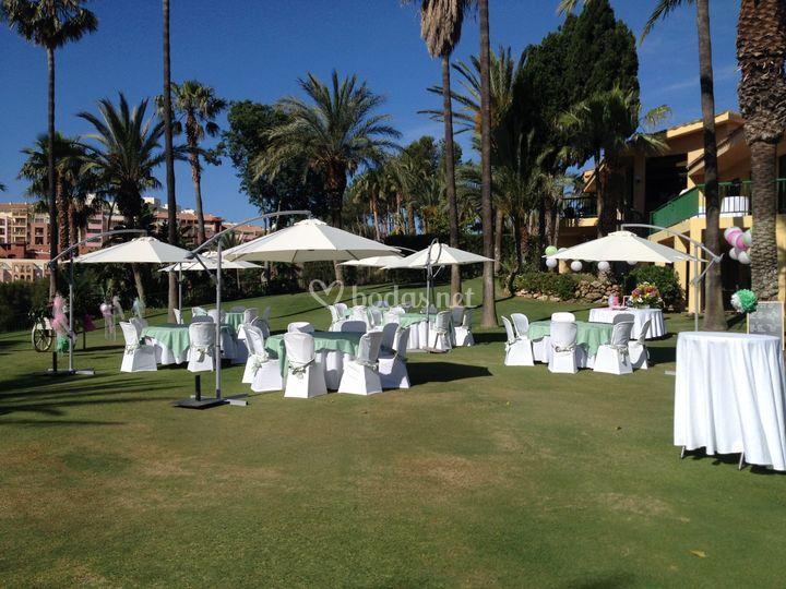 Fiesta privada en el jardín