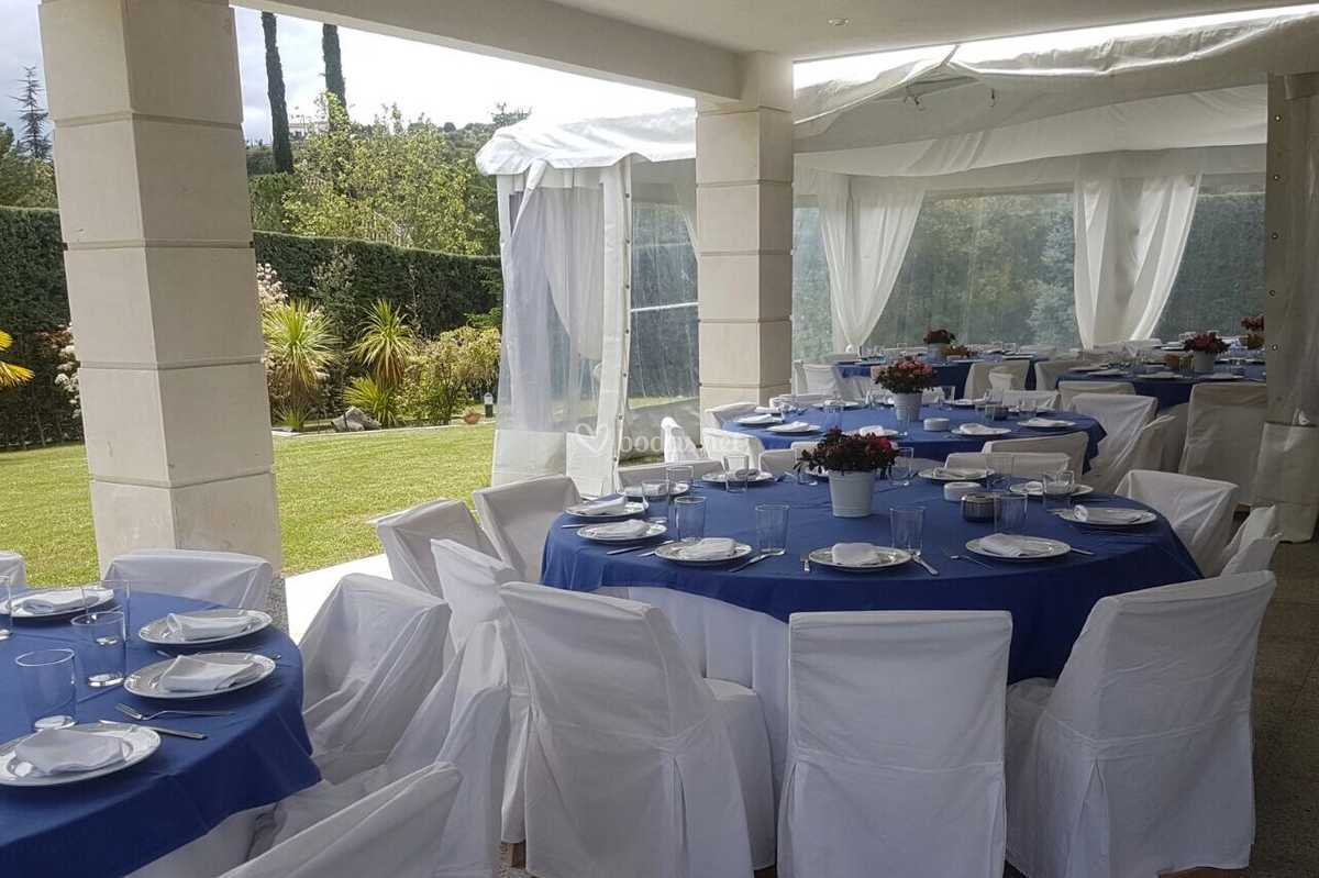 Mantel Azul y silla funda