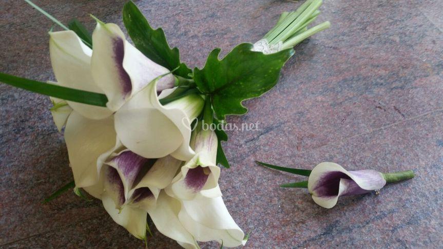 Bouquet kalas con prendido