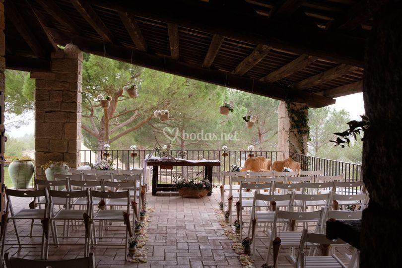 Pequeña ceremonia en el porche