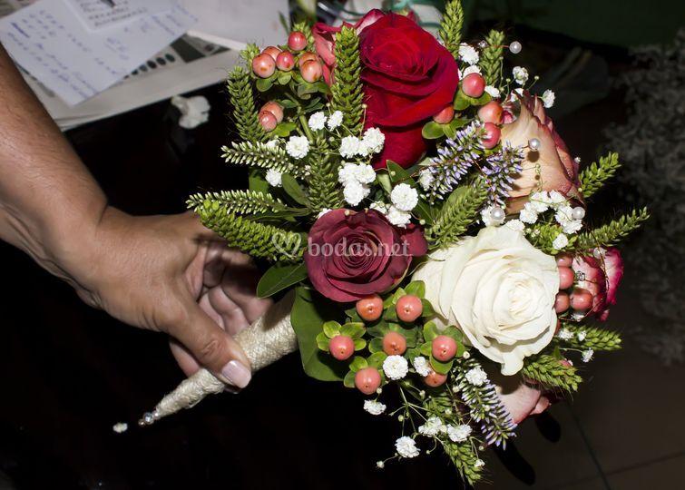 Ramo de novia formal de rosas