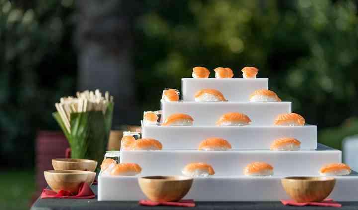 Pirámide de sushi