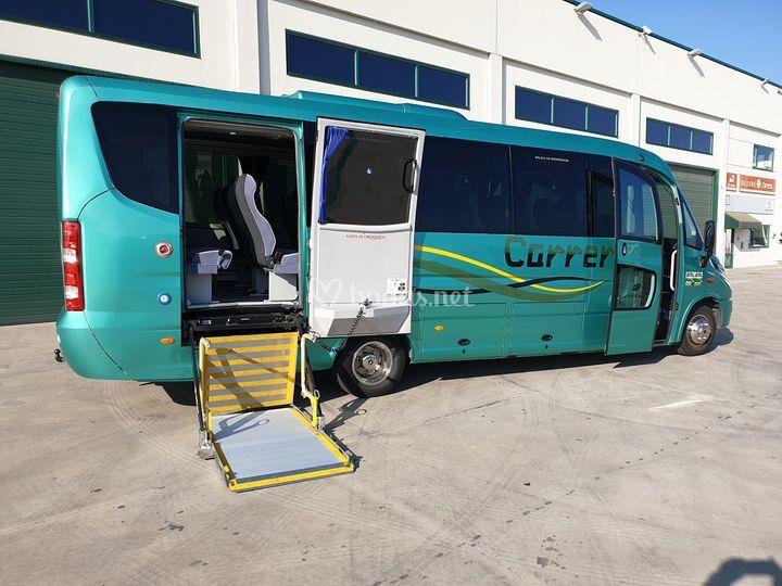 Autocares y minibus con PMR