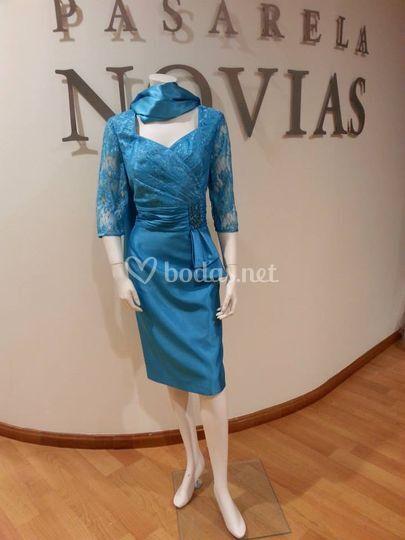 811a367895 Vestido azul para madrina de Pasarela Novias
