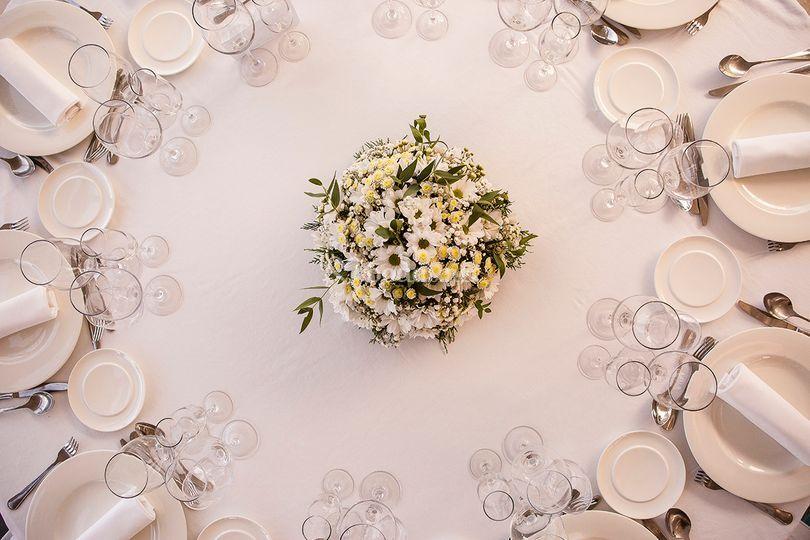 Montaje de boda en blanco