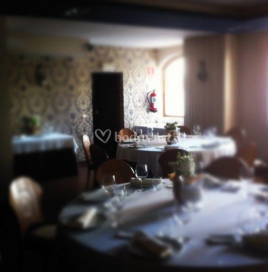 Mesas en el salón Cajal