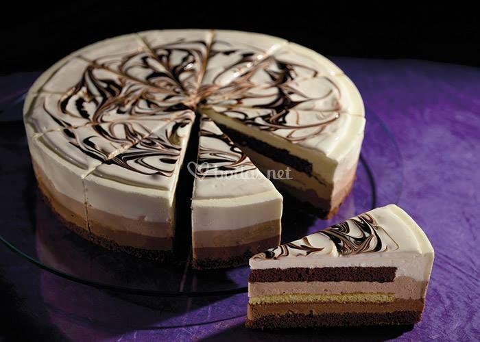 Bizcocho de chocolate blanco y negro
