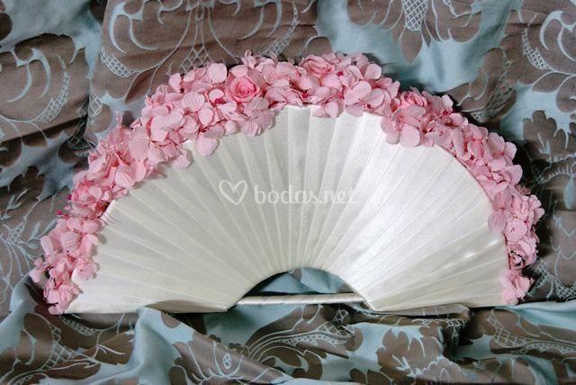 ramo de novia en forma de abanico