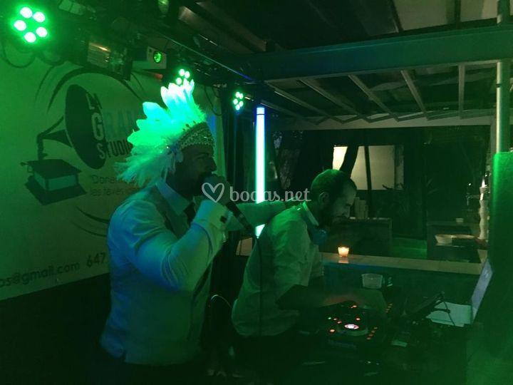 El DJ y el novio