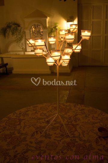 Árbol de forja con velas