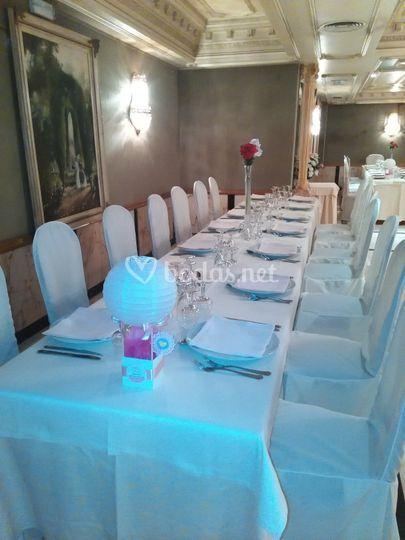 Detalle mesa salón comunión