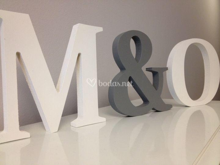 Letras de madera oscura de letras s mbolos y m s fotos - Letras home decoracion ...