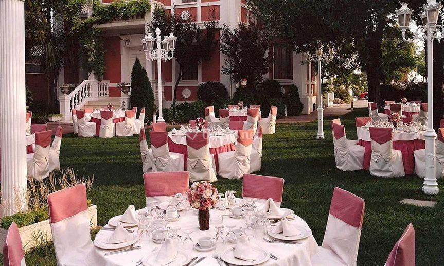Banquete de boda en los jardines