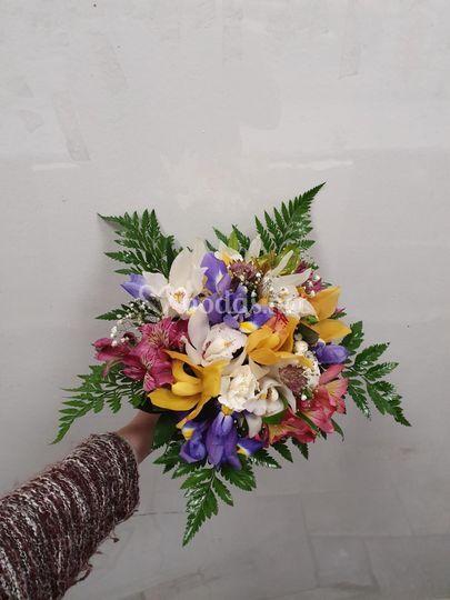 Ramo de novia con orquídeas