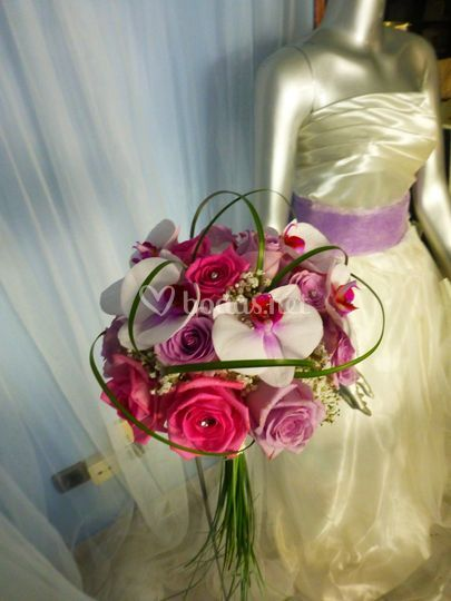 Ramo de novia rosas orquideas