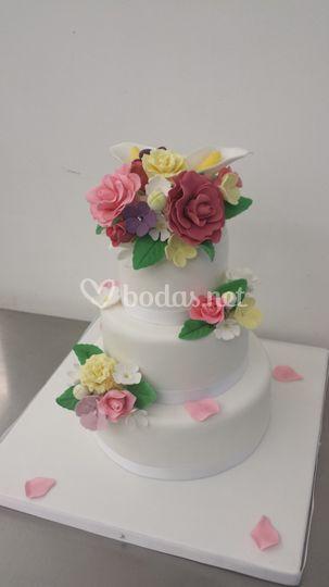 Tarta de tres pisos bouquet